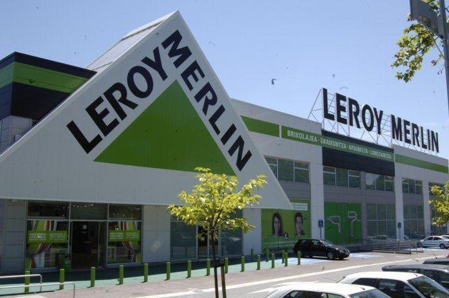 Contratación del servicio de mantenimiento en varias tiendas Leroy Merlin